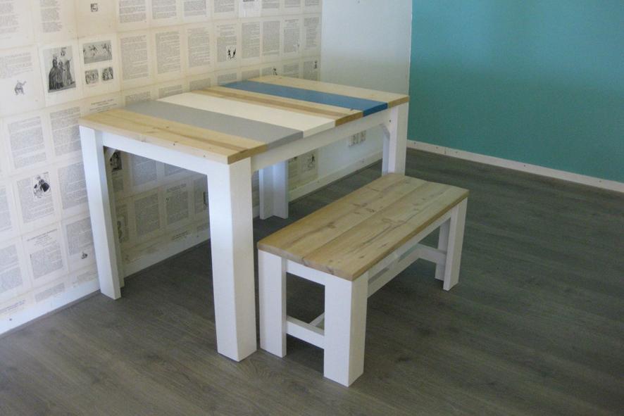 Wij maken stijlvolle tafels op maat for Houten bankje steigerhout