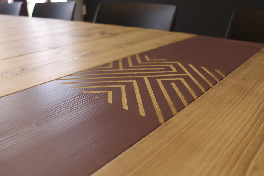 Industriele tafel met stalen onderstel, 8 persoons tafel, winkelinrichting